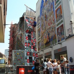 Highline The North Face Mobile Climbing Wall