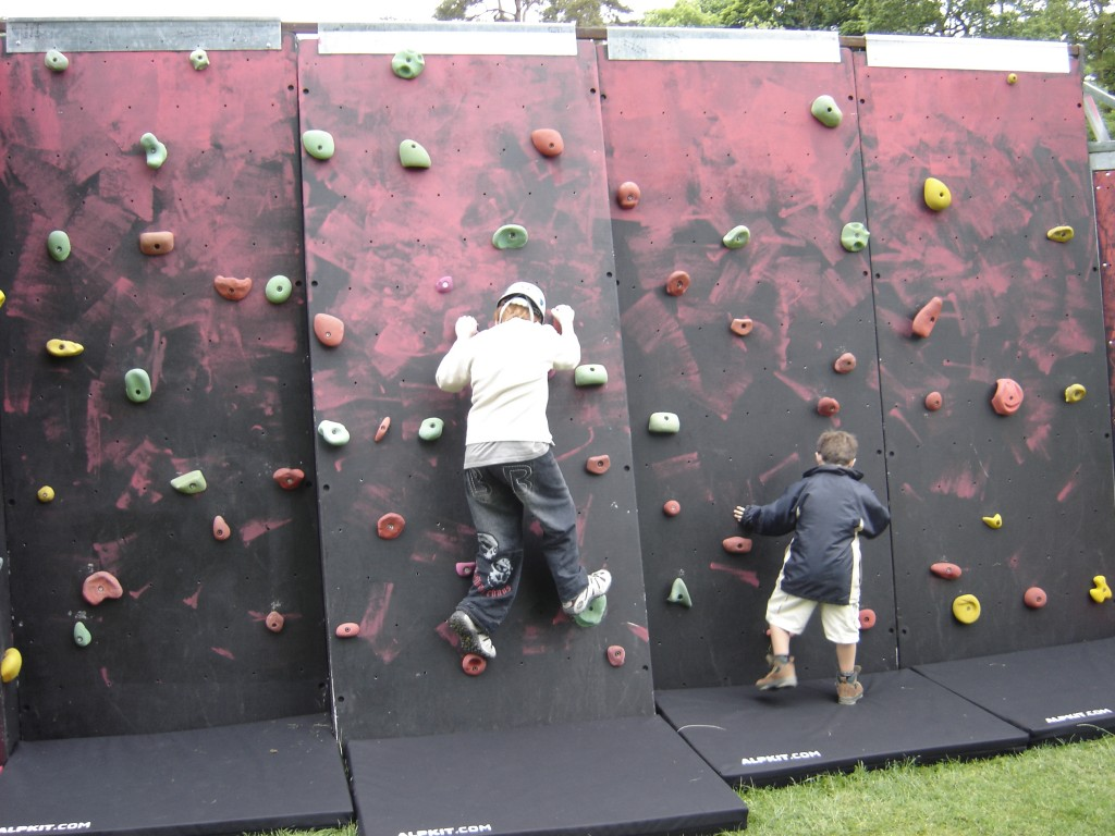 HIGHLINE Extreme Bouldering Traversing Wall Manufacturer